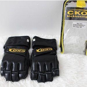 💥 kickboxing gloves from CKO .
